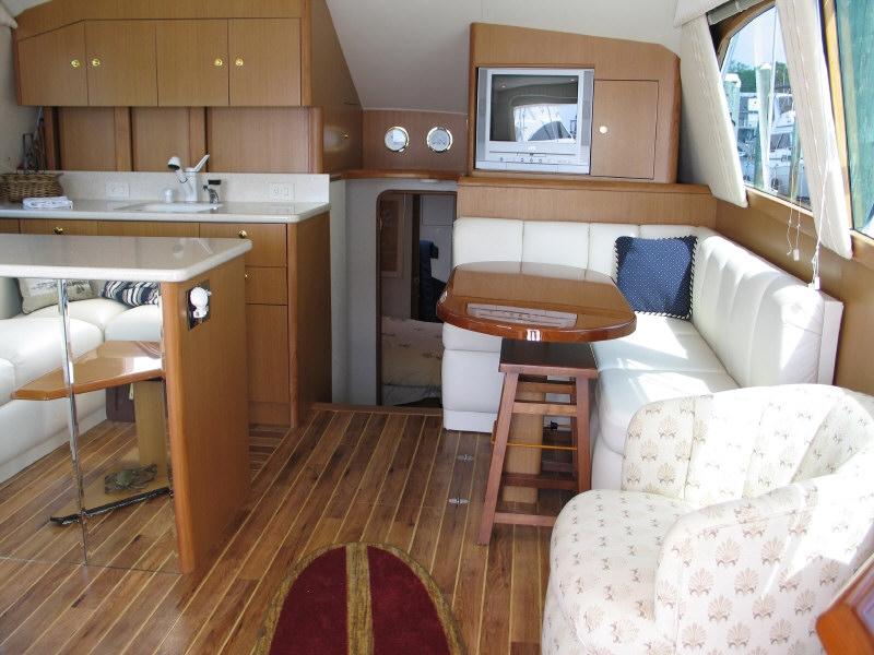 Ocean Yachts 43ft Super Sport 43 Foot Convertible Sport