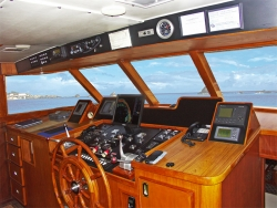 Broward 85ft Cockpit Motoryacht 1981 YX0100000221